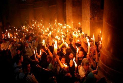 Ντοκουμέντο: Το βίντεο που αποδεικνύει το θαύμα του Αγίου Φωτός!