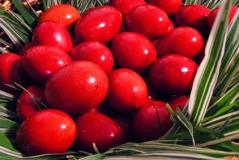 Γιατί βάφουμε κόκκινα αυγά τη Μ. Πέμπτη!