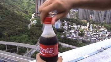 Πως να παγώσετε μια cοca cola σε ένα δευτερόλεπτο!