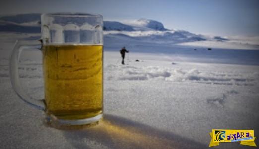 Μια παρέα Ρώσων αποφάσισαν να πιουν μπύρες στην Σιβηρία, με την θερμοκρασία να αγγίζει τους -60 βαθμούς Κελσίου.