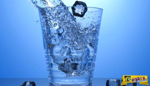 Πότε πρέπει να πίνετε κρύο και πότε ζεστό νερό!