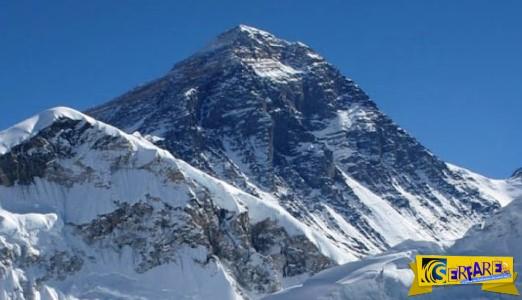 Δείτε γιατί δεν είναι η κορυφή του Έβερεστ το υψηλότερο χερσαίο σημείο από την επιφάνεια της Γης!