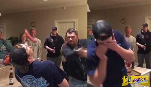 Σοκαριστικό βίντεο: Άνδρας κόβει στα δύο τη μύτη του φίλου του με σπαθί σε πάρτι!