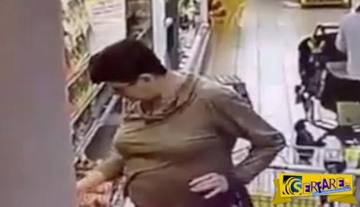 Μόλις δείτε αυτό το βίντεο δεν θα ξανά ψωνίσετε από το ψυγείο του σουπερμάρκετ! Χα χα χα!