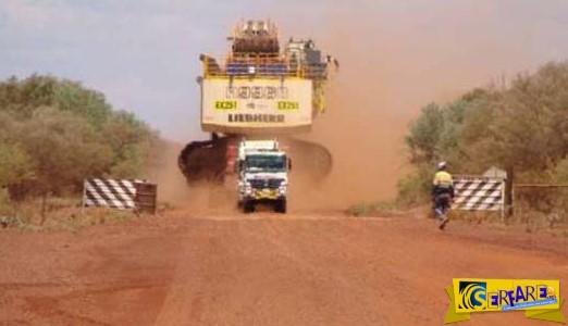 Με αυτόν τον τρόπο μεταφέρεται ένας γιγαντιαίος εκσκαφέας 700 τόνων!