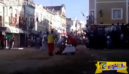 Μεθυσμένος εκτοξεύτηκε και τραυματίστηκε από μαινόμενο ταύρο!