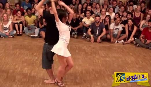 Την τράβηξε να χορέψουν μπροστά σε πολύ κόσμο! Αυτό που έκανε εκείνη κανένας δε το περίμενε...