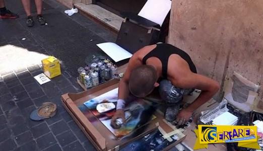 Δεν θα πιστεύετε τι φτιάχνει αυτός ο άνθρωπος στους δρόμους της Ρώμης!