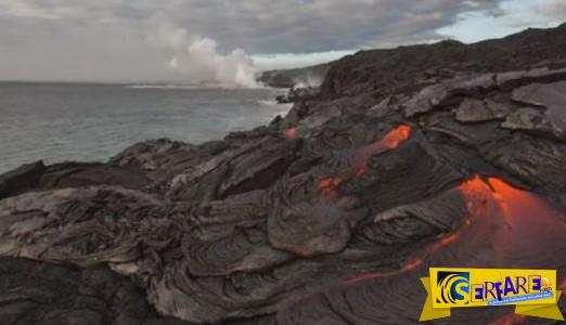 Αυτό το βίντεο θα σε αφήσει με το στόμα ανοιχτό! Το θαυμάσιο αποτέλεσμα από την ένωση της λάβας με των ωκεανό!