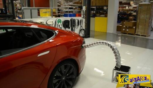 Ρομπότ-φίδι φορτίζει τα ηλεκτροκίνητα αυτοκίνητα!