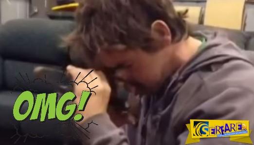 Ανατριχιαστικό βίντεο – Έπιασε το πρόσωπο του με δόκανο!