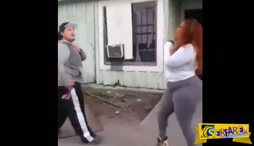 Ομοφυλόφιλος τσακώνεται με γυναίκα επειδή μίλησε στο αγόρι του!