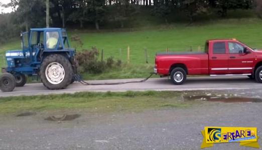 Έβαλαν κόντρα δύναμη ένα τρακτέρ Ford και ένα 4Χ4 αγροτικό!