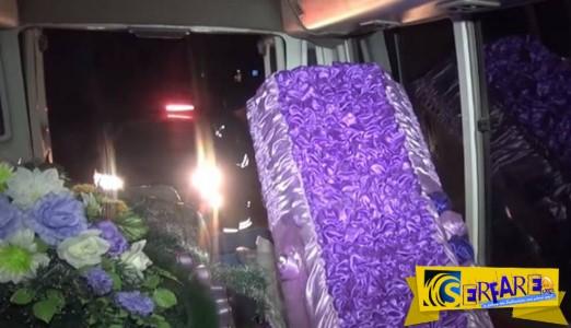 """Τους """"τσάκωσαν"""" στη Ρωσία: Λαθρέμποροι έκρυψαν μισό τόνο χαβιάρι σε... νεκροφόρα!"""