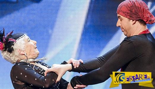 ΔΕΝ ΥΠΑΡΧΕΙ: ΔΕΙΤΕ την γιαγιά που χόρεψε salsa και ΤΡΕΛΑΝΕ τους κριτές talent show...