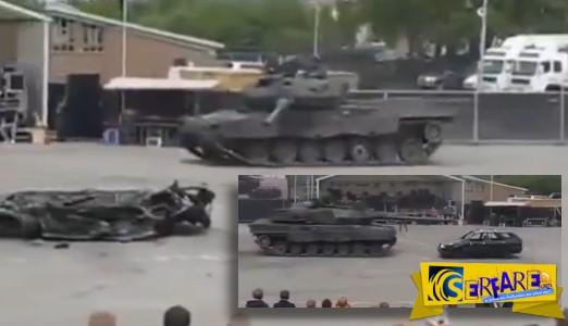 Leopard 2 A6 κάνει θρύψαλα αυτοκίνητο σε επίδειξη!
