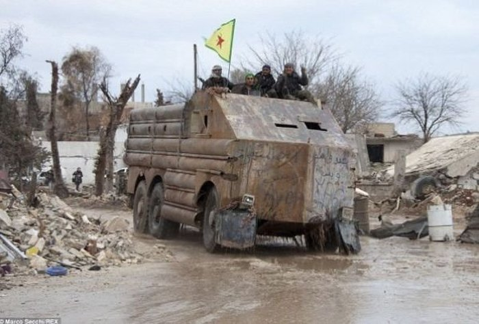syria_military_car_09