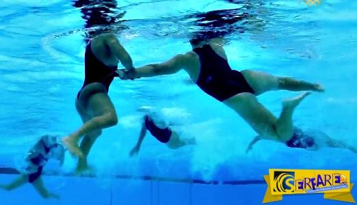 Εντυπωσιακό: Δείτε τι συμβαίνει κάτω από το νερό σε έναν αγώνα... γυναικείου πόλο!