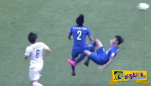 Ίσως το πιο βάναυσο ποδοσφαιρικό χτύπημα στην ιστορία του ποδοσφαίρου!