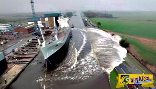 Δείτε την εντυπωσιακή στιγμή που ένα πλοίο πέφτει στο νερό για πρώτη φορά!