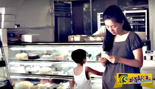 Δεν είχε χρήματα να αγοράσει μια τούρτα για την εγγονή της, ώσπου ένας άγνωστος…
