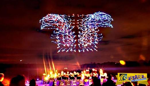 Εντυπωσιακό: Δείτε 100 drones να πετούν ταυτόχρονα υπό τους ήχους του Μπετόβεν!