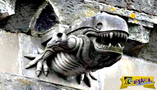 """Μήπως είχαν δει κάτι; Γκαργκόιλ σε μονή της Σκωτίας του 13ου αιώνα μοιάζει με το """"πλάσμα"""" από την ταινία Alien!"""