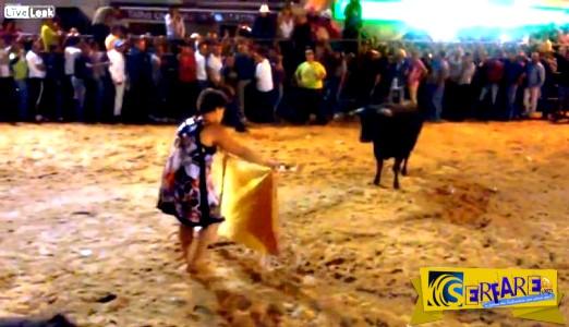 Μεθυσμένη γυναίκα εναντίον ταύρου!