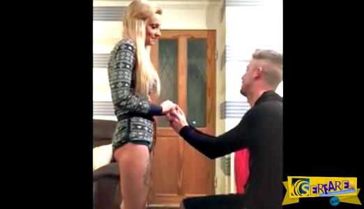 Επική καφρίλα! Την έκανε να νομίζει ότι θα της κάνει πρόταση γάμου αλλά...