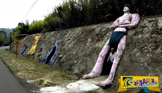 Έσκαβε 12 χρόνια για να φτιάξει σπηλιά-σπίτι για την οικογένειά του!
