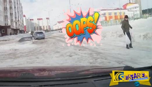 Δυνατός άνεμος στη Ρωσία πήγε βόλτα δύο άτομα!