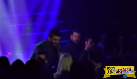 Βίντεο ντοκουμέντο με τον Παντελή Παντελίδη να γονατίζει μπροστά στην πρώην κοπέλα του και να τραγουδάει!