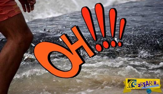 Ψάρι χτυπάει με την ουρά του ψαρά στην στεριά και τον αφήνει αναίσθητο και αιμόφυρτο!