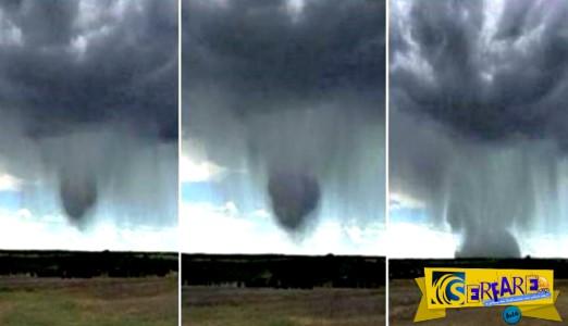 Βόμβα Βροχής: Σπάνιο καιρικό φαινόμενο καταγράφηκε στην κάμερα!