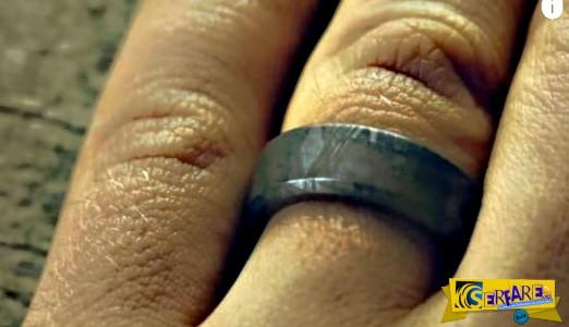 Δεν φαντάζεστε τι χρησιμοποίησε για να φτιάξει το δαχτυλίδι για το γάμο του!