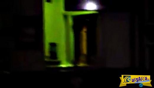 Το φάντασμα της Jennifer στοιχειώνει το πανδοχείο όπου πέθανε!