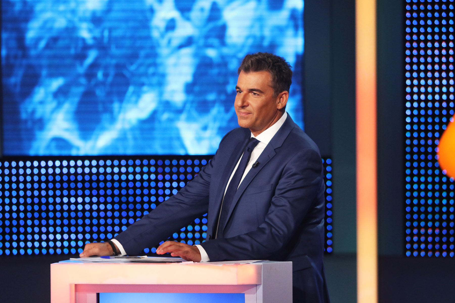 lucky-room-ant1-2