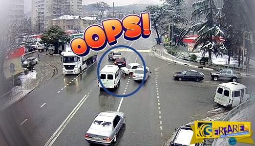 Απίστευτο βίντεο: Ο οδηγός εκτοξεύεται μετά τη σύγκρουση αλλά το αυτοκίνητο «παρκάρει» τέλεια!