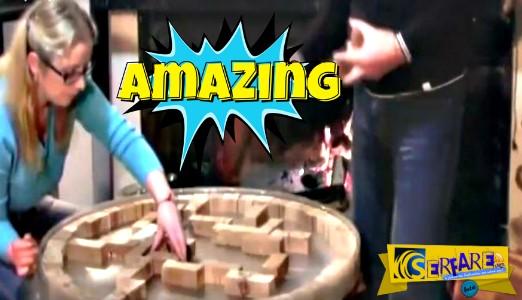 Τοποθέτησε ξύλινα τουβλάκια σε στρογγυλή διάταξη - Μόλις δείτε τι συνέβη στο τέλος, θα μείνετε άφωνοι!