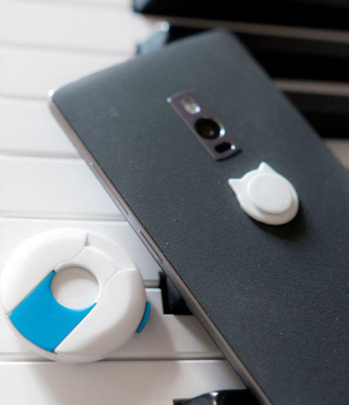 Το αντικλεπτικό για κινητά που τα κλειδώνει στην τσέπη - Τέλος στους ελαφροχέρηδες!