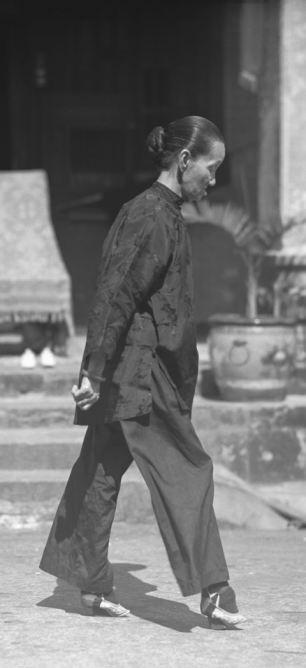 Τα πόδια του λωτού: Μια παράδοση αιώνων που προξένησε παράλυση και θανάτους σε χιλιάδες γυναίκες!