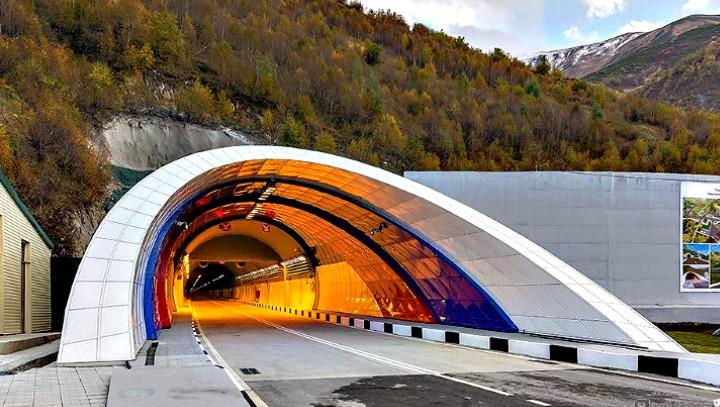 Δείτε πως αυτοί οι άνθρωπο κατασκεύασαν ένα τεράστιο τούνελ σε δύο μόνο ημέρες!