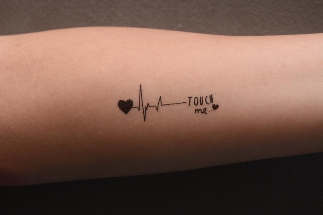 Τατουάζ: Μια επικίνδυνη μόδα που σημαδεύει την υγεία μας