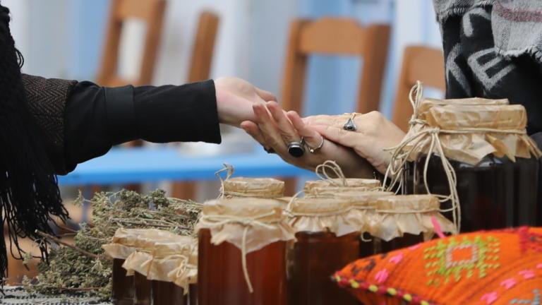 Άγριες Μέλισσες 29/1/20: Αναστάτωση στο Διαφάνι φέρνει η Σμαρώ και ο Ιατροδικαστής
