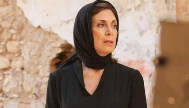 """""""Φόνισσα θα σε θάψω ζωντανή"""" - Η Μυρσίνη ορμάει στην Ελένη στη νέα σεζόν της σειράς Άγριες Μέλισσες"""
