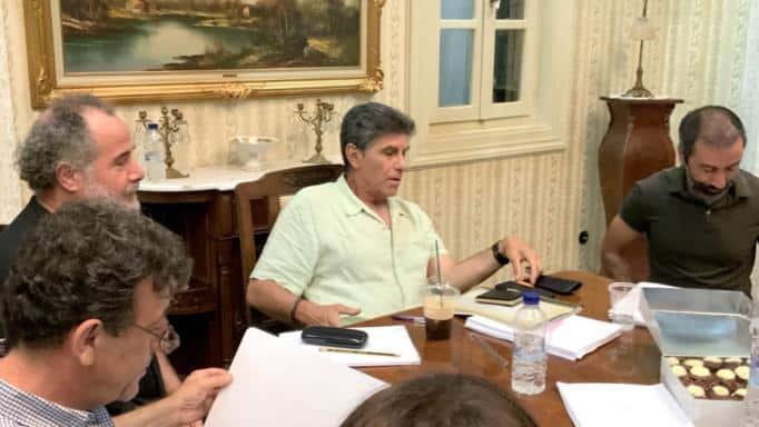 Ο Γιάννης Μπέζος δίνει το σύνθημα – Παρουσιάστε η νέα σειρά του ΑΝΤ1