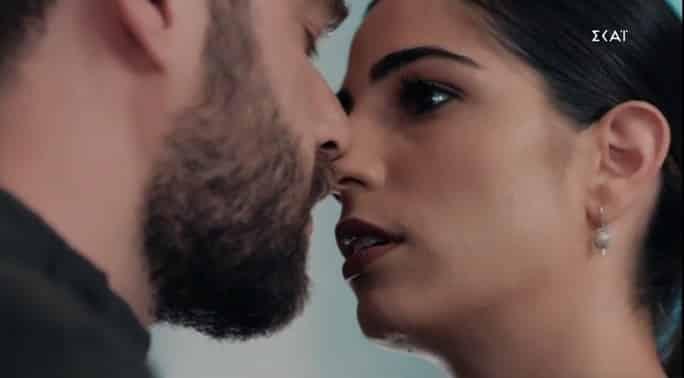 8 Λέξεις επεισόδια: Η παράνομη σχέση στην φόρα - Το βίντεο φωτιά