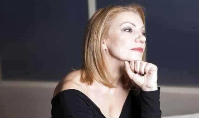 8 λέξεις Spoiler: Η Ναυσικά θα προχωρήσει με το θέμα εξέτασης της Τζουλιάνας